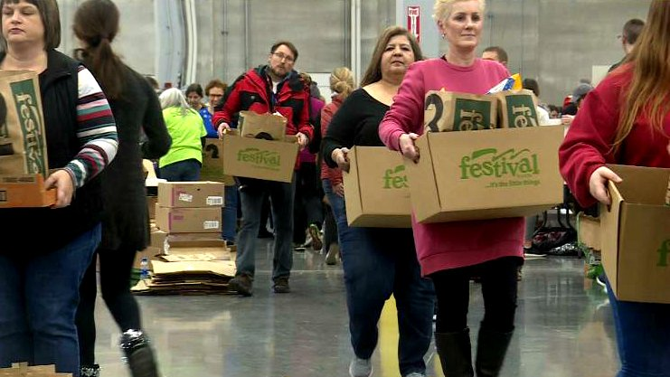 11th annual 'Bags of Hope' event aims to feed hundreds of families in Rock County over the holidays