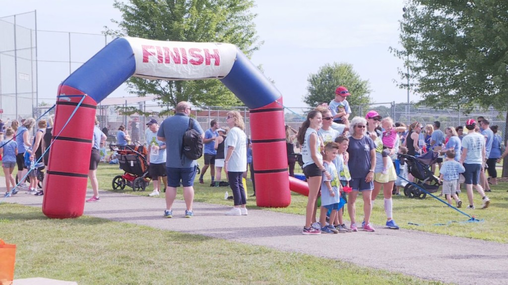 Battle of the Badges raises money for Middleton family