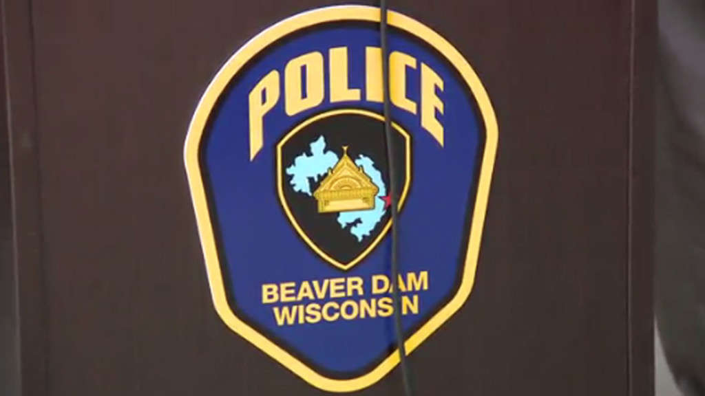 Man accused of breaking into Beaver Dam tavern, jumping into nearby lake, police say