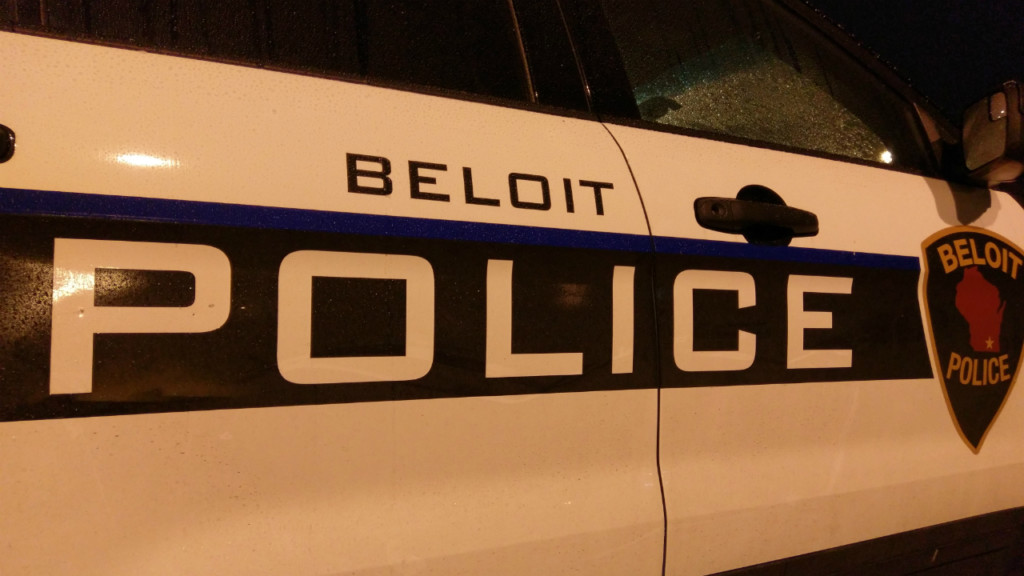 Car chase begins after car drives through barricades at Grand Lighted Holiday Parade in Beloit