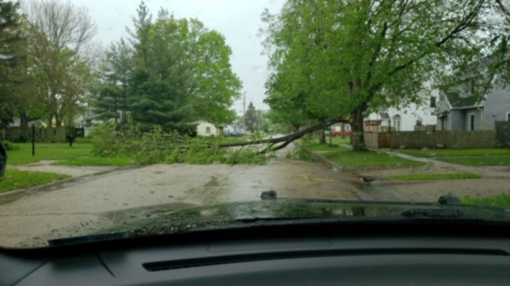 Beloit police report storm damage, power outages