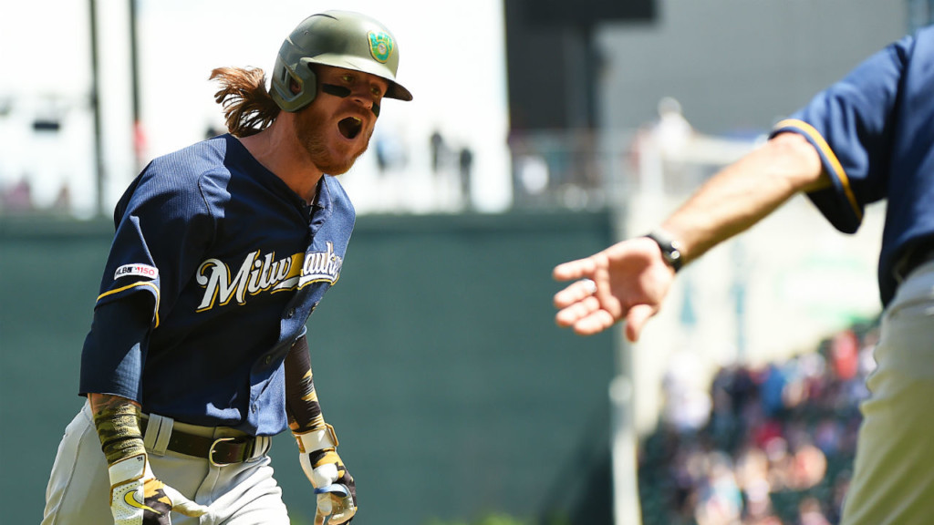 Gamel leads Brewers to 5-4 win over Giants