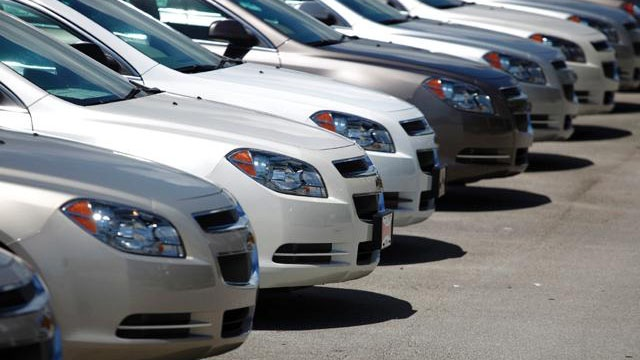 Report: 2015 auto sales to reach highest in decade