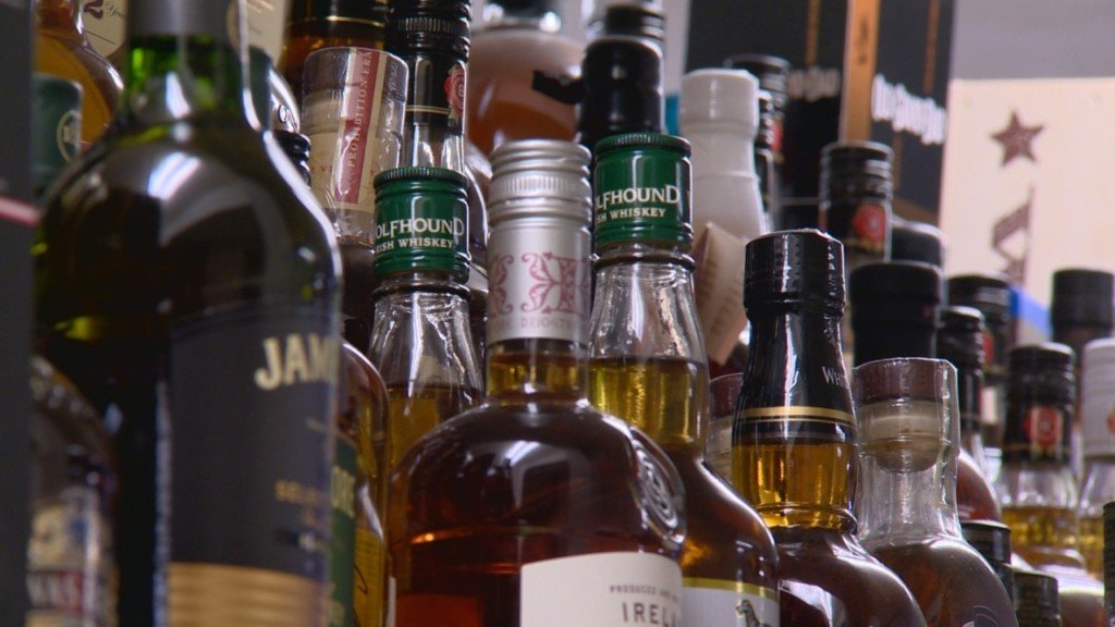 La Crosse considers banning unlimited drink specials at bars