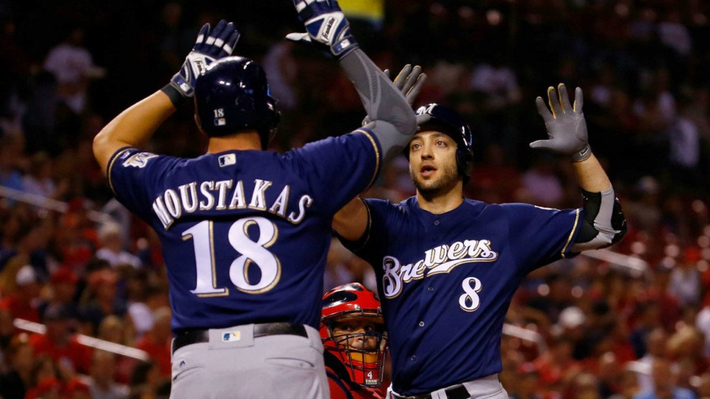 Brewers beat Diamondbacks in Gonzalez's return to the mound