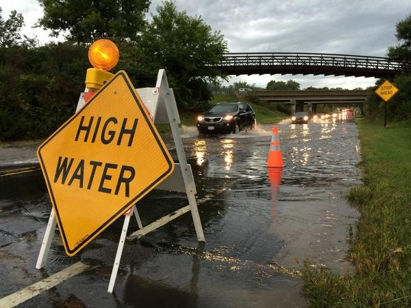 3-4 inches of rain slows morning commute