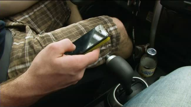 Consumer Reports: Distracted driving