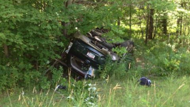 UPDATE: 1 killed, 9 hurt in rollover crash