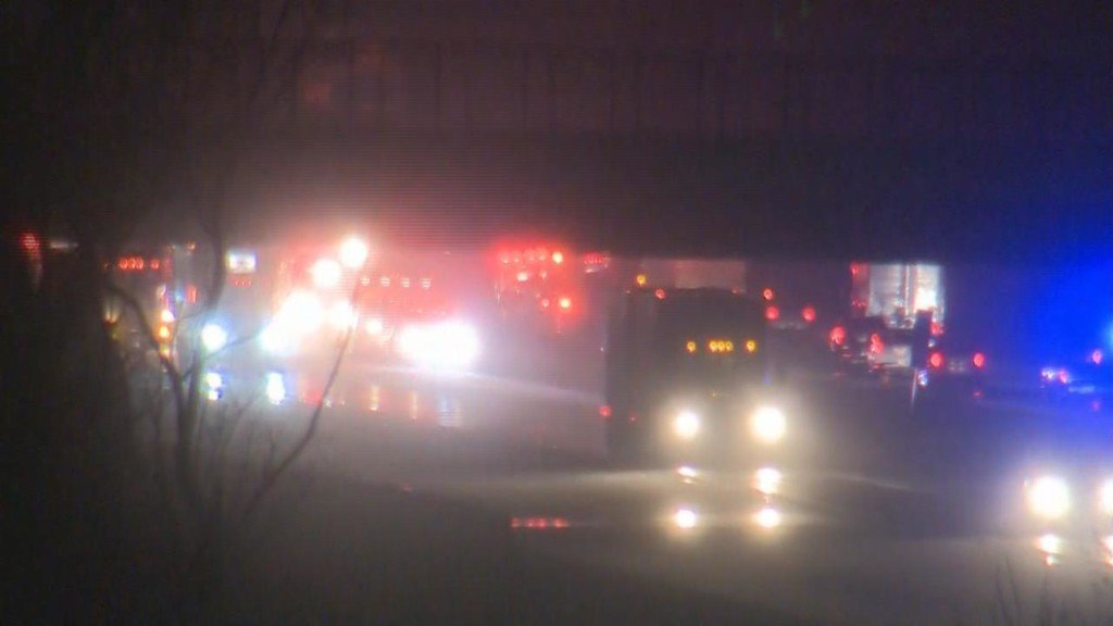 Janesville man killed, 4 others injured in multi-vehicle crash on I-39/90, officials say