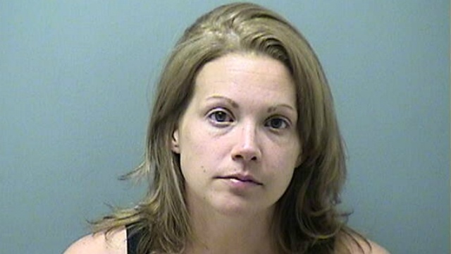 Police: Facebook users identify alleged purse thief