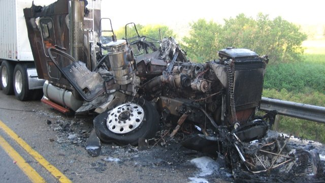2 semitrailers crash head-on in Lafayette Co.