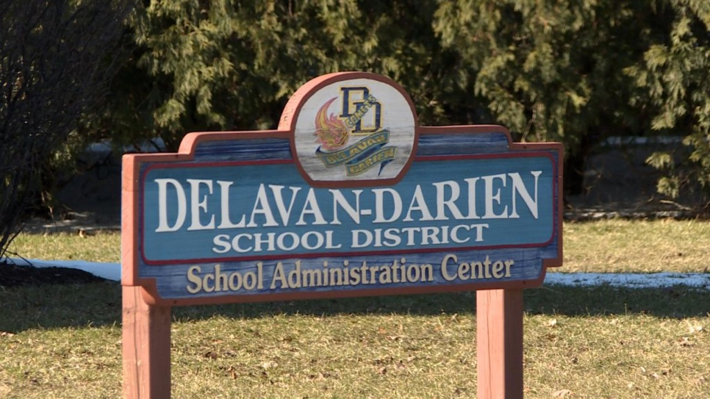 School district, immigration attorney meet with parents over deportation fears