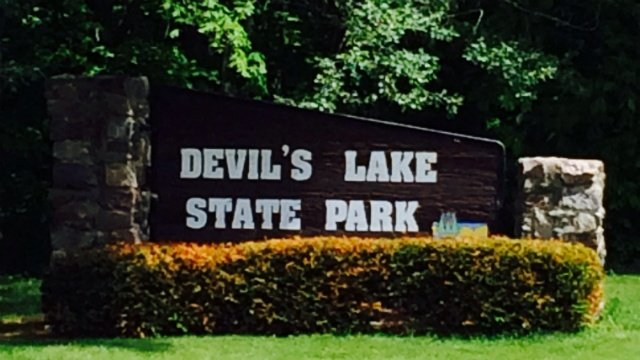 De Pere man injured after fall from bluff at Devil's Lake State Park