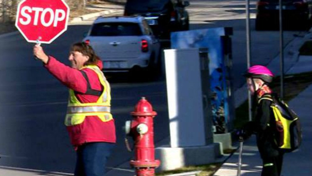 Tonight at 10: Rain or shine, Madison crossing guard spreads happiness to those crossing street