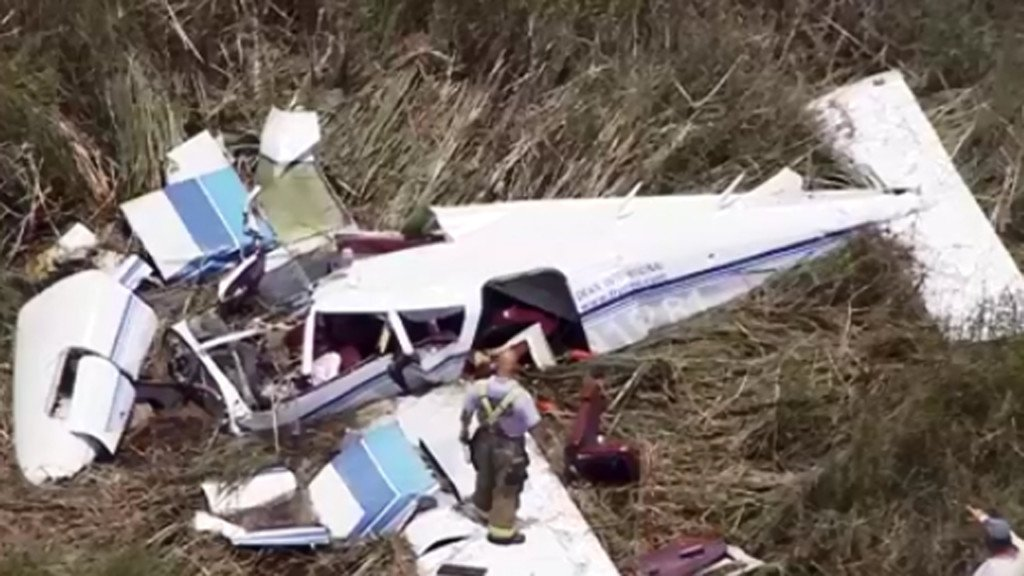 3 killed in midair crash of 2 small planes in Florida