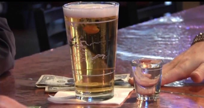 Proposal would allow bars to sue fake-ID users