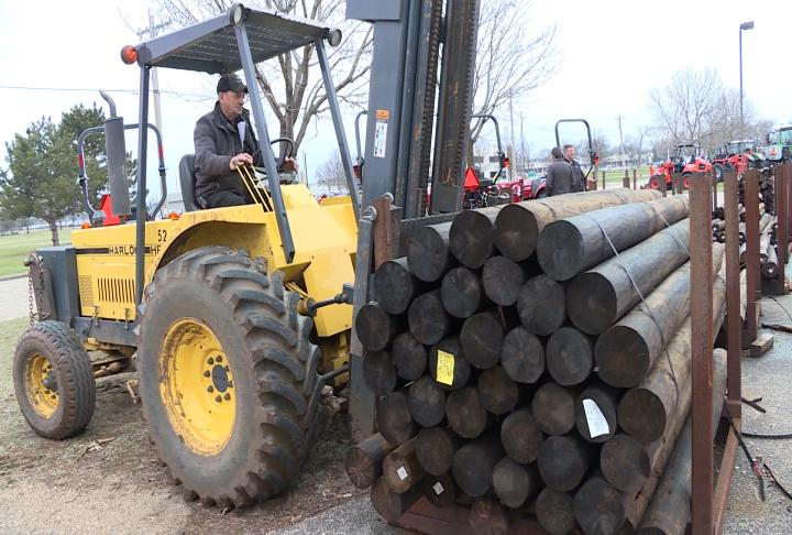 Sauk County farmers help farms devastated by wildfires