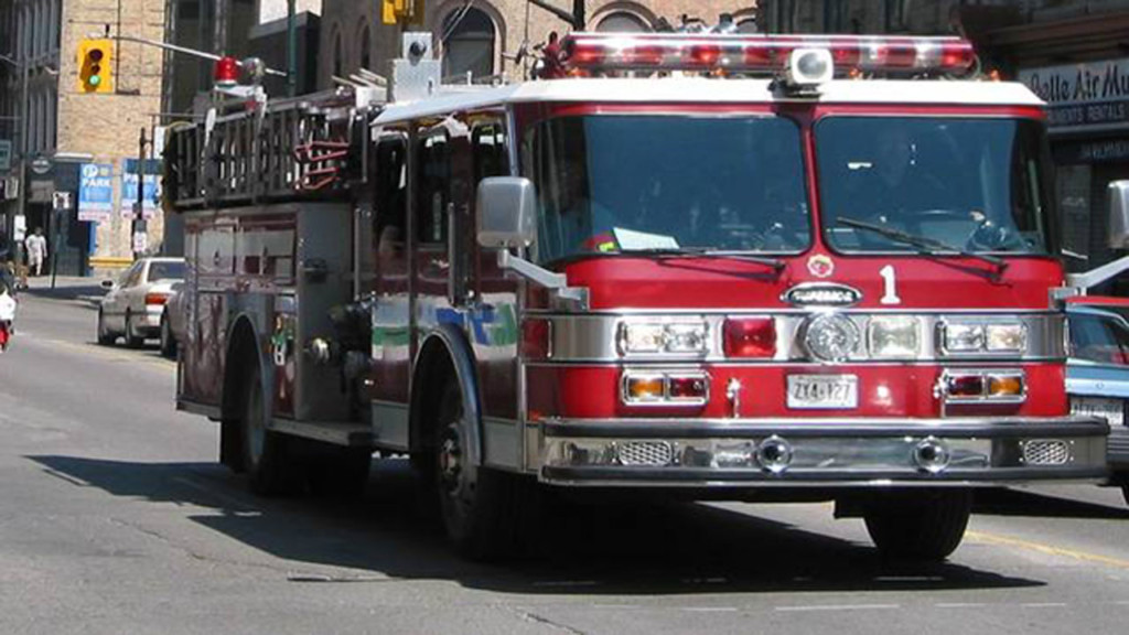 Firefighter injured, 5 displaced after Janesville apartment fire
