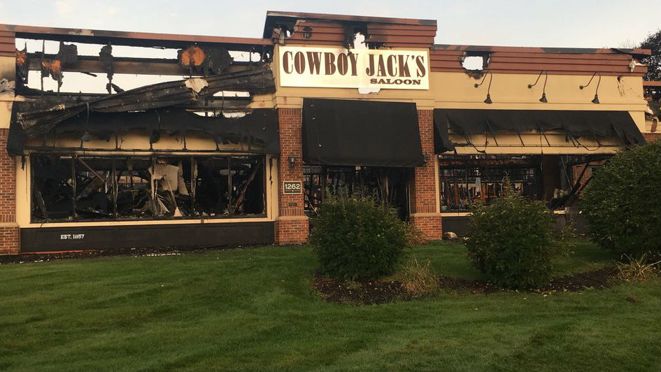 Madison restaurant considered total loss after fire broke out overnight, fire officials say