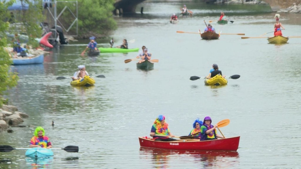 More than 300 people float in rafts down Yahara River for Fools' Flotilla