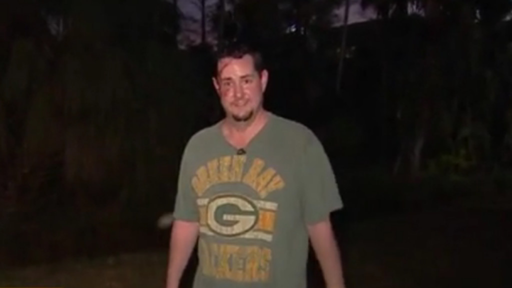 Man wearing Packers shirt attacked by bear