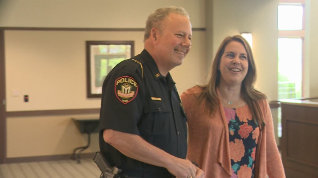 Middleton Police Chief receives Hometown Hero Award