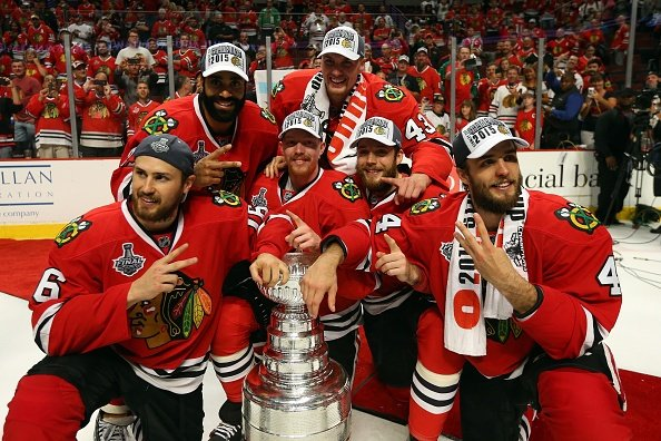 Chicago defeats Tampa Bay to claim Stanley Cup