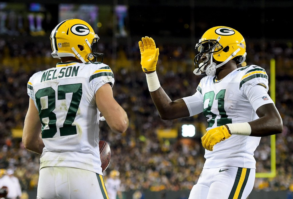 Injury-riddled Packers beat mistake-prone Bears 35–14