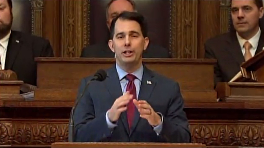 Gov. Walker approval rating at 45 percent in new poll
