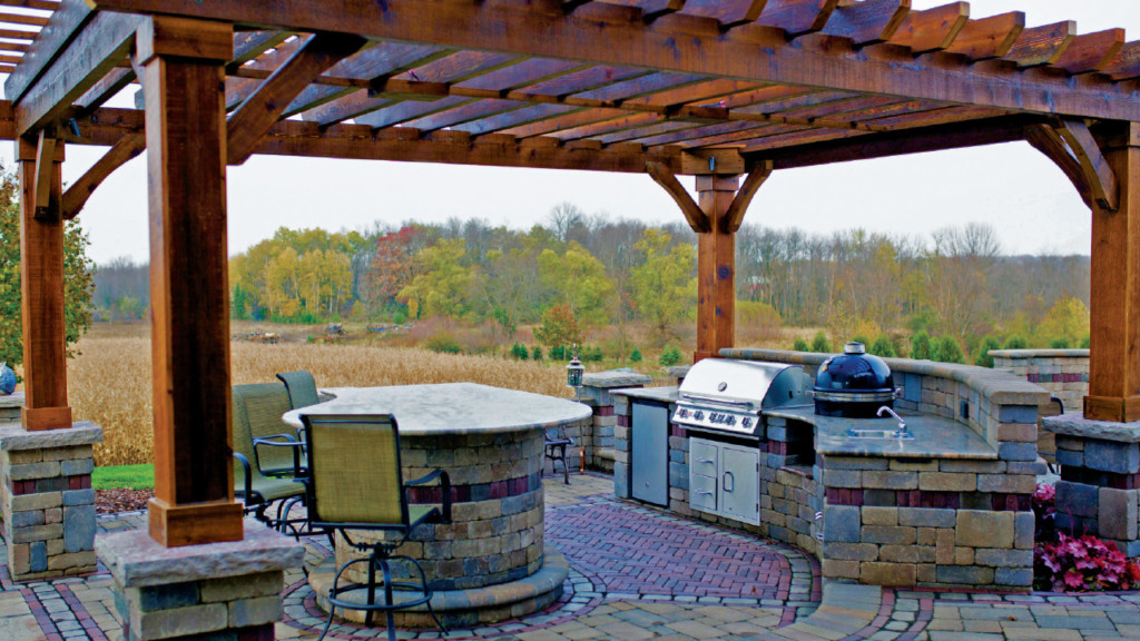 SPECIAL PROMOTIONAL: Outdoor Living–Feeling at home when you are out of the house