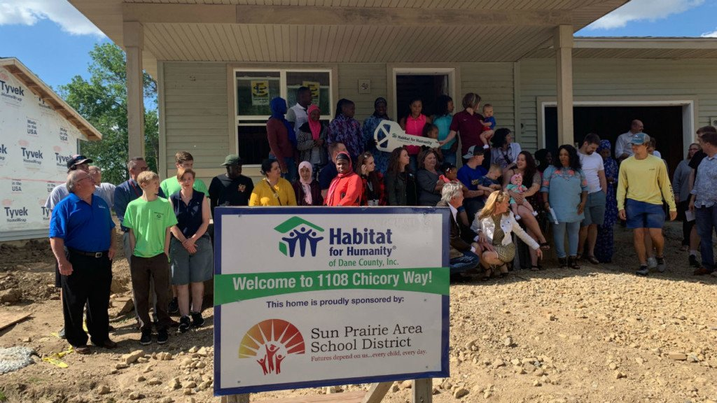Sun Prairie students dedicate Habitat for Humanity home to family