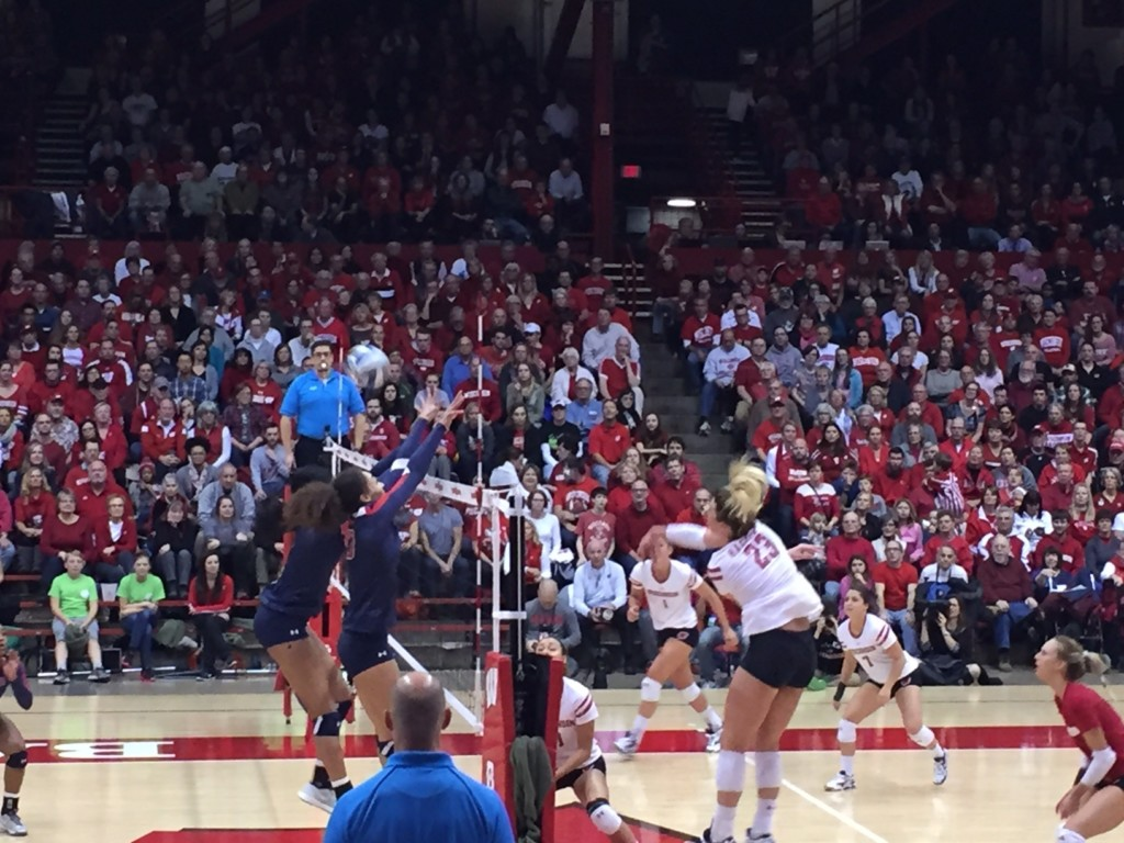 UW Volleyball starts title run with win against Howard