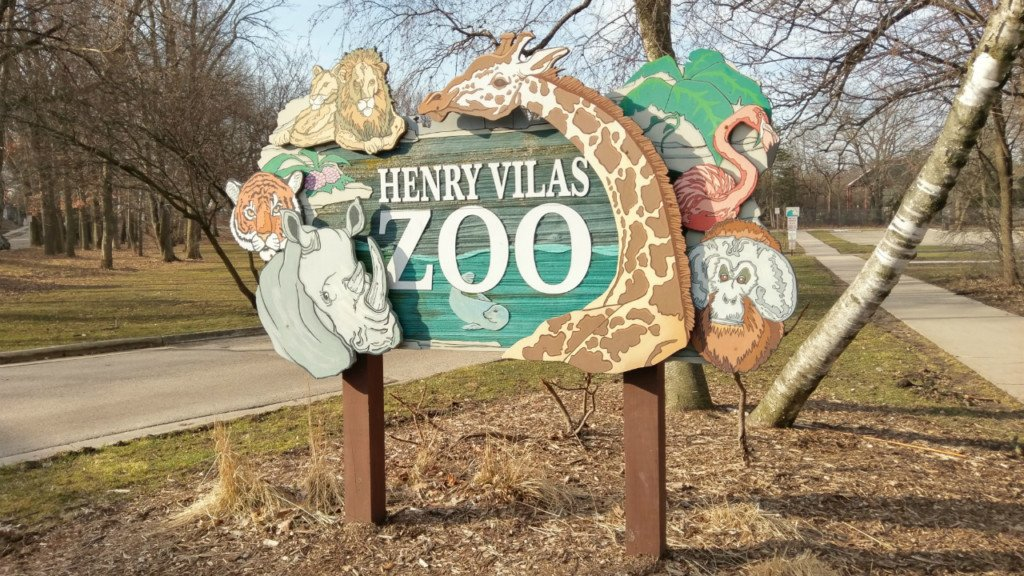 Henry Vilas Zoo's welcome sign
