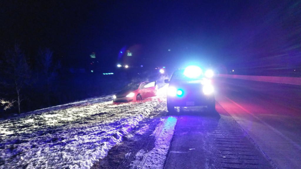 Police chase near Verona ends with 2 people in custody