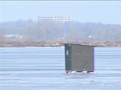 Warning issued about safety of lake ice