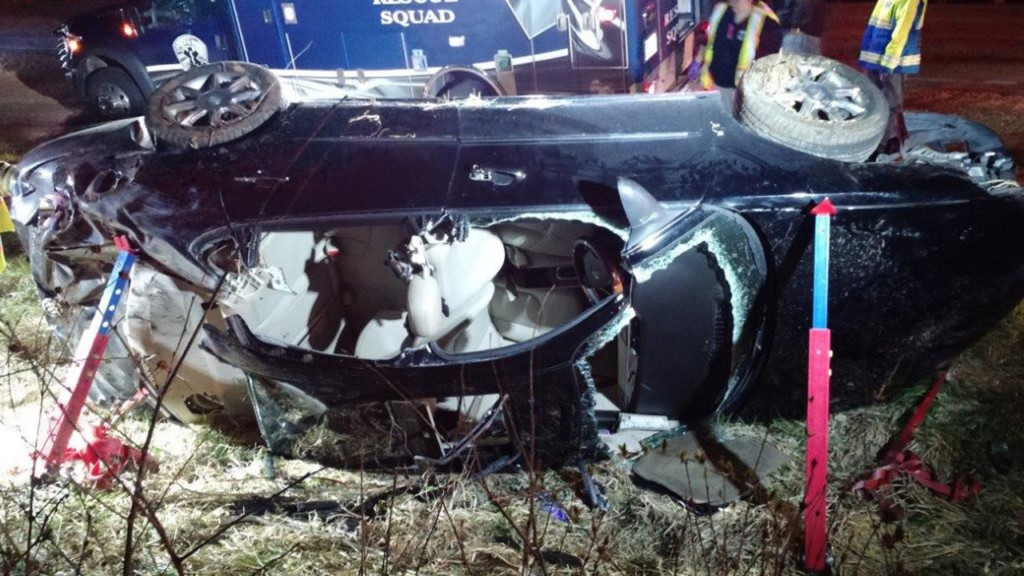Woman swerves to avoid deer, extricated from wrecked car