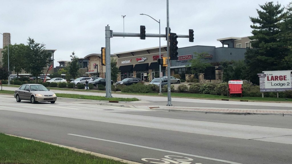 Traffic lights restored, stores reopened following power outage on University Avenue