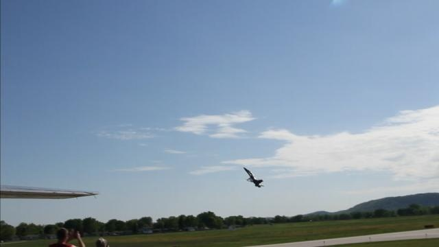 Hawk fits in flight with Blue Angels in between OTA practices