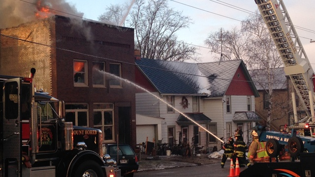 Chief: Business owner tried to fight fire