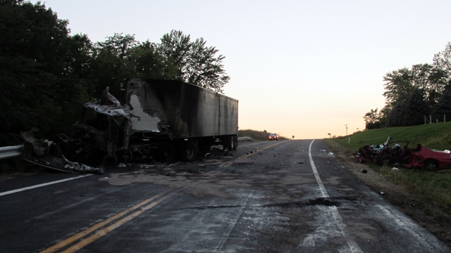 1 killed, 1 injured in fiery crash