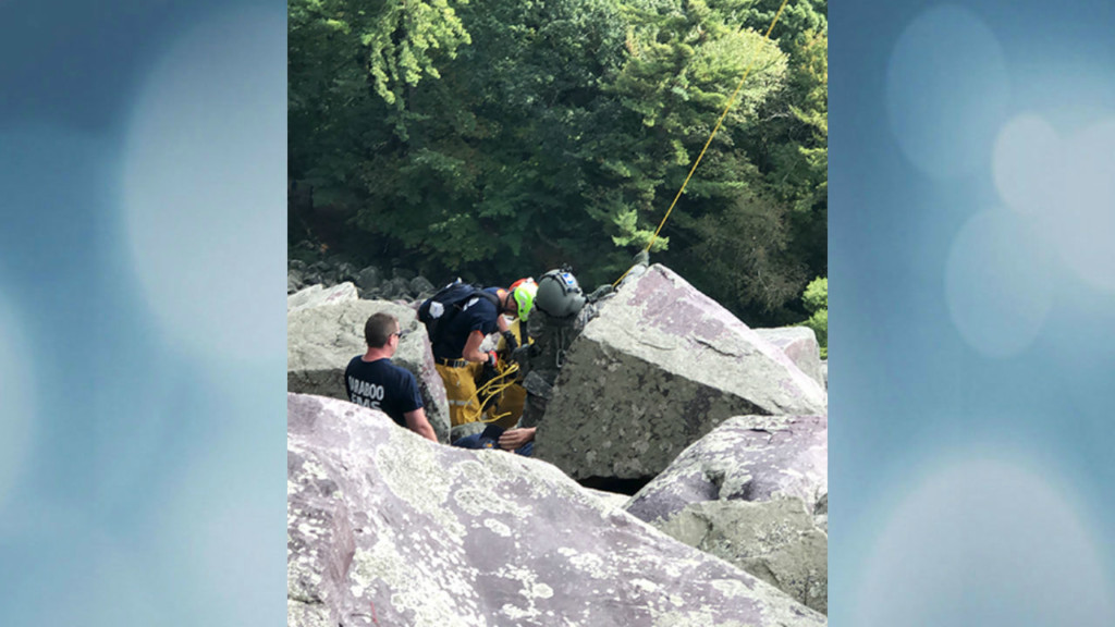 Wisconsin National Guard rescues injured person at Devil's Lake State Park