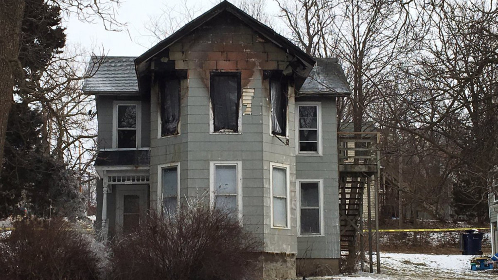 Officials ID man killed in Janesville apartment fire