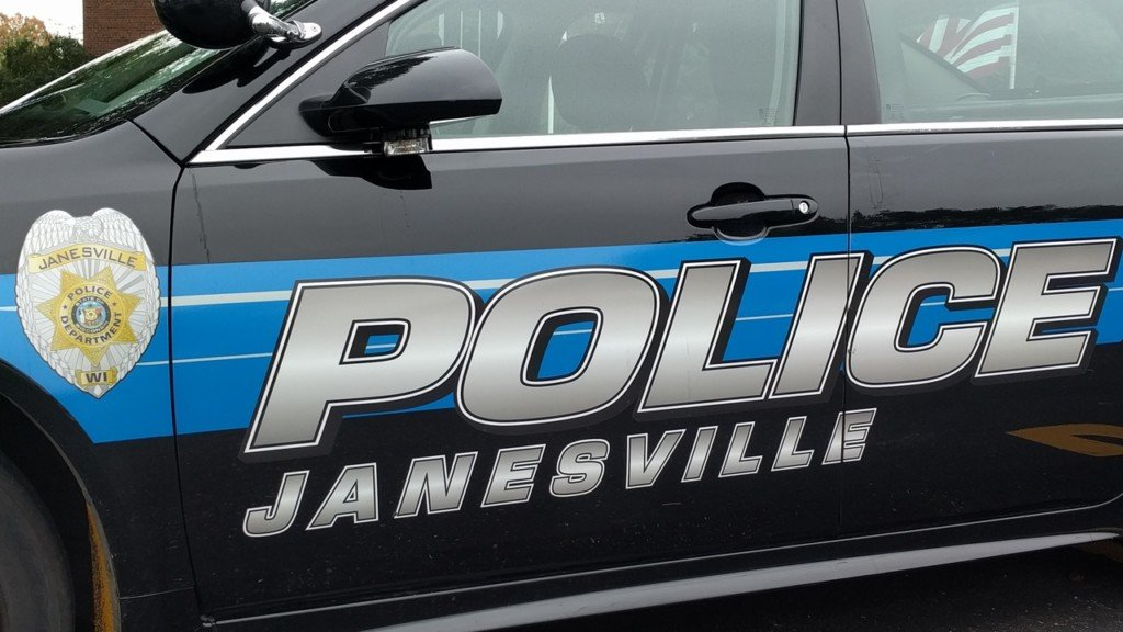 1 dead after two-car crash in Janesville