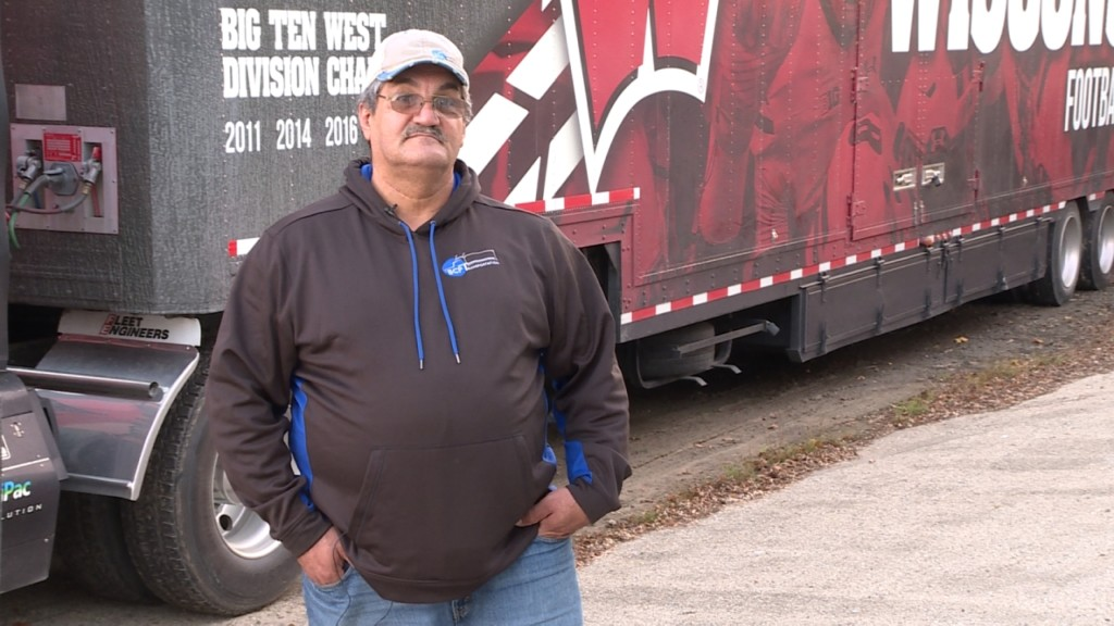 Longtime truck driver loses license because of immigration status