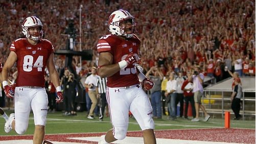 High number of carries doesn't bother Wisconsin's Taylor