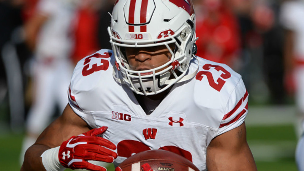Badgers jump up to No. 14 in latest Associated Press poll