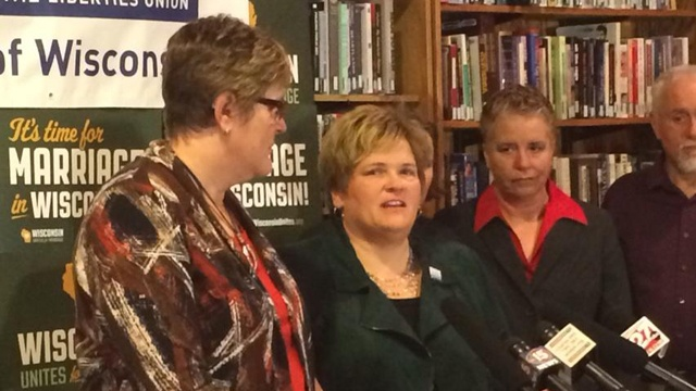 Wis. gay marriage plaintiffs get engaged