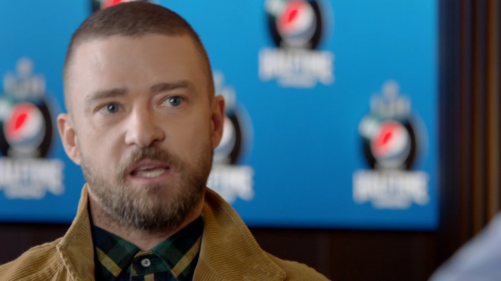Green-and-gold-clad Justin Timberlake explains why he backs the Pack