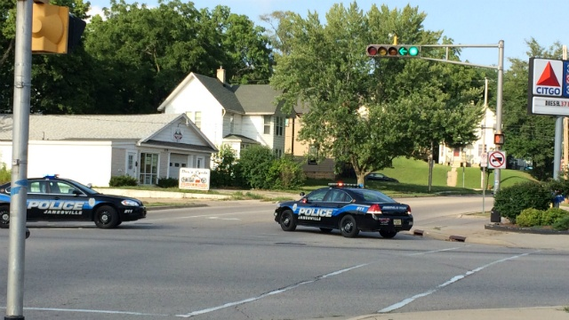 Roads back open after false report forced Janesville police to put up blockade