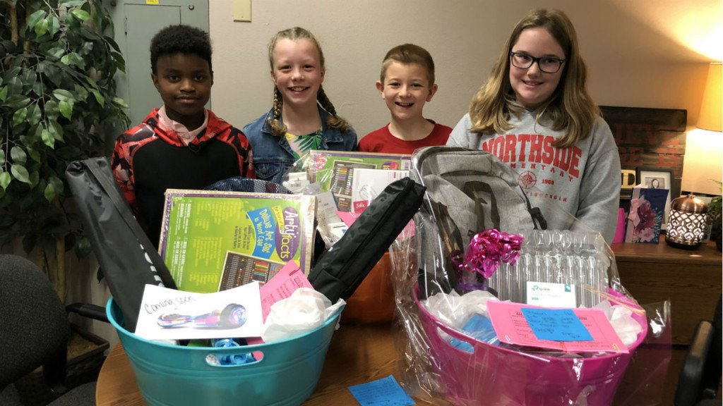 Tonight at 10: Monroe 5th grade student starts kindness club to make people smile